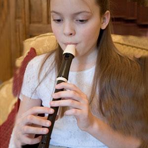 punca se uči igrati kljunasto blok flavto