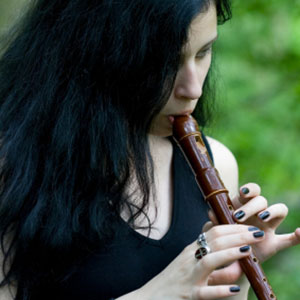učenje igranja blok flavte v naravi