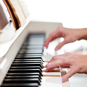 učenje igranje klavirja preko interneta